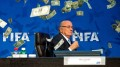 sepp-blatter-get-embrassed