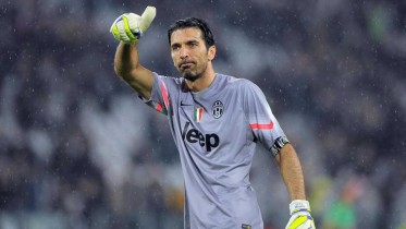 juventus-celebrate-gianluigi-buffon